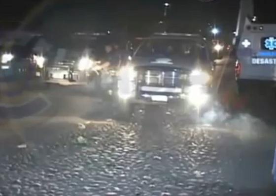 Espectacular balacera en Apatzingan Michoacan contra Policias Federales