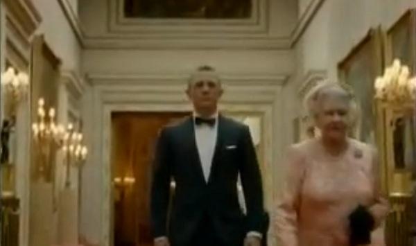 James Bond escolta a la Reina hasta los juegos Olímpicos
